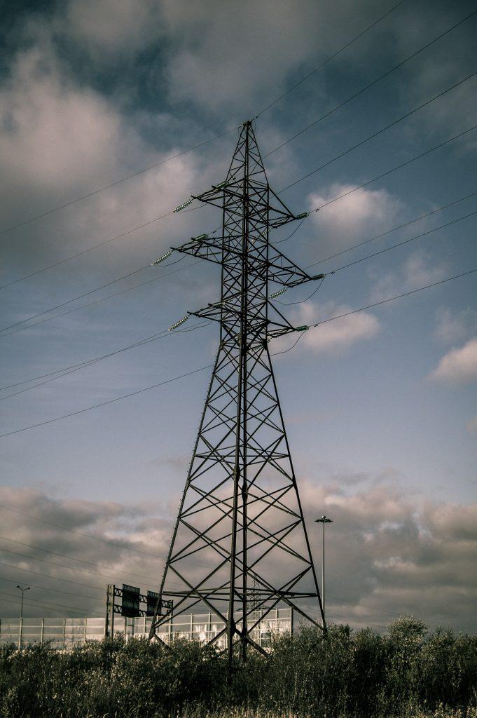 power-poles-532104_1920